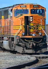 BNSF 8915 with Lunch on the Porch (kenyoung3) Tags: railroads sd70mac bnsf burlingtonnorthernsantafe coaltrain robertsbankdeltabccanada diesel locomotive