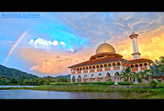 | Ramadhan Kareem | Landscape HDR (AnNamir c[_]) Tags: sunset architecture islam mosque malaysia handheld paragliding ramadan ramadhan hdr hdri puasa kualakubu    huluselangor   annamir masjiddq ramadhankareem salamramadhan ramadankarem salamramadan
