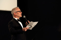 Monsieur Thierry Frmaux (Steph Blin) Tags: thierryfrmaud festival cannes 2016 cinma films movies prsentation sance dlgugnral micro papier discours smoking nudpapillon