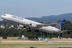N76062 / United Airlines / Boeing 767-424(ER) (Charles Cunliffe) Tags: canon 7dmkii aviation zurich kloten airport zrh lszh united airlines ual ua boeing 767 767400 n76062
