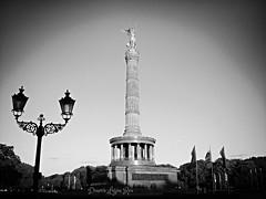 Siegessule. Columna de la Victoria. Berlin. (Di Lujan) Tags: berlin deutschland alemania germany summertime summer europe europa 2016 siegessule columnadelavictoria bw blackandwhite