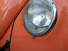 2012-04-07 18.15.54 (anders71mail) Tags: bug volkswagen beetle cream front oldschool apricot lyse headlight 1968 custom indicator blinker bubbla folkvagn