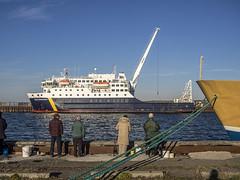 Le Bella Desgagns  Rimouski avant le grand dpart (Daniel Lebarb) Tags: cruise pier dock crane cargo fisher pcheur quai grue rimouski croisire bassectenord belladesgagns