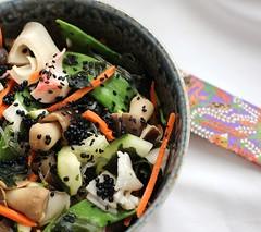Pad Thai Fusion Bowl (Vegan Feast Catering) Tags: seaweed asian ginger salad vegan sesame cucumber kelp carrot garlic peanut vinegar noodle agave padthai fusion scallion snowpea strawmushroom tamari veggiecrab
