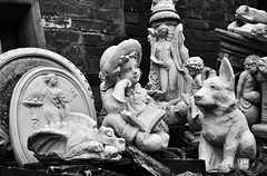 unwanted (niro68) Tags: bw broken nikon statues nikkor 56 afs dx f35 1685 d5200