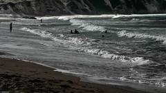 BAISTAS (pmmrm61) Tags: blancoynegro beach bath playa swimmers monotonous duotono baistas sanromn monotono playasanromn pmmrm61