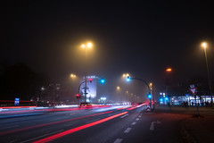 Foggy-3 (MoWePhoto.de) Tags: light fog dark licht nebel hamburg spuren eimsbttel notripod dunkel nachts samsungnx