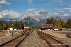 Banff Rail Station, Banff National Park (Alberta) (Anna & Oskar) Tags: travel viaje canada canon landscape paisaje can alberta banff canadianrockies 1dx montaasrocosas 5dmarkii