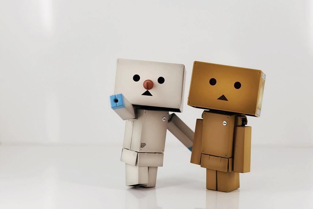 bo cardboard robot reading - photo #47