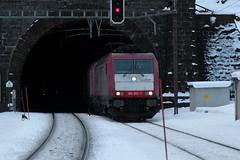 Crossrail AG Lokomotive 185 593 - 1 ( Hersteller Bombardier TRAXX F140 AC2 Baureihe 185.2 - Inbetriebnahme 2008 ) am Bahnhof Gschenen an der Gotthard Nordrampe der Gotthardbahn im Kanton Uri der Schweiz (chrchr_75) Tags: alps train de tren schweiz switzerland suisse swiss eisenbahn railway zug locomotive alpen christoph svizzera bahn treno schweizer chemin centralstation reusstal uri fer januar locomotora tog juna lokomotive lok ferrovia spoorweg gotthard suissa 2015 locomotiva lokomotiv  crossrail locomotief 1501 kanton chrigu  rautatie  bahnen zoug trainen kantonuri  gotthardbahn chrchr hurni nordrampe chrchr75 bergstrecke chriguhurni gotthardnordrampe albumbahnenderschweiz ferroviarian chriguhurnibluemailch albumgottthardnordrampe albumbahngotthardnordrampe albumbahnenderschweiz201516 hurni150120 albumbahncrossrail