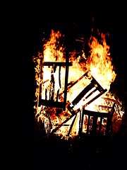 (Johnh111003) Tags: summer rural fire countryside country lincolnshire burning burn bonfire pyro pyromania spalding firestarter burnbabyburn firestartertwistedfirestarter pyromanic gedneyhill johnh111003