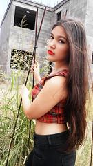 P5220412 (EdithBeltran) Tags: red verde hair gris construction long largo cabello