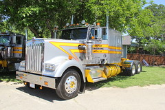 IMG_2783 (RyanP77) Tags: show california b white truck log model shiny trucker international chevy chrome r pete logger gmc peerless kw peterbilt ih kenworth cabover bullnose fruehauf