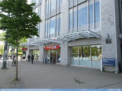 Shoppers On Campus (Vancouver, BC) (TheTransitCamera) Tags: college retail architecture shopping campus store education university bc ubc chain drug learning shoppers mart institution acedemic