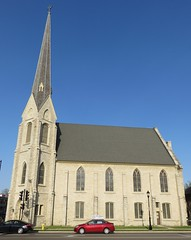 First Baptist Church (Waukesha, Wisconsin) (courthouselover) Tags: wisconsin churches waukesha wi waukeshacounty milwaukeemetropolitanarea