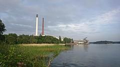 Hsselbyverket (skumroffe) Tags: chimney tower torre tour sweden stockholm towers torn powerplant turm chimneys hsselby skorsten fortum hsselbystrand heatandpowerplant fjrrvrme skorstenar kraftvrmeverk hsselbyverket