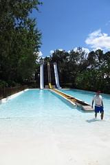 IMG_4525 (RobandSheila) Tags: adventureisland everglides waterpark slide water buschgardens