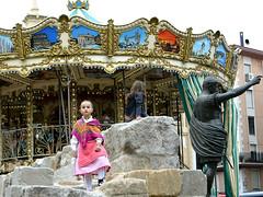 Tiovivo (Jabatophoto) Tags: carousel tiovivo niña fiesta feria atraccion street candid niñas