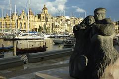 Monument to the Mariner (Patrick Chircop) Tags: monument landscape mediterranean malta sailor isla mariner compactcamera birgu patrickchircop