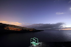 Stairs into the dark sea (Stefan Böhm Fotografie) Tags: longexposure sunset sea beach night strand canon meer nacht tenerife teneriffa wellen sonnnenuntergang 60d dukehyper