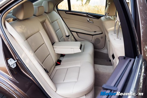 2015-Mercedes-E350-CDI-05