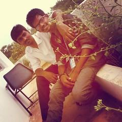 அதிசயங்கள் நட்பால் மட்டுமே சாத்தியமாகும், முடியாததும் முடியும் நட்பில் மட்டுமே! (starpraveen25) Tags: school college square friend toaster indian squareformat tamil kavithai bestmemories tamilboy iphoneography instagramapp uploaded:by=instagram