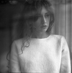the window (benjamin.brocks) Tags: portrait bw 6x6 mamiya blackwhite sensual 150 rodinal rz67 110mm trix320