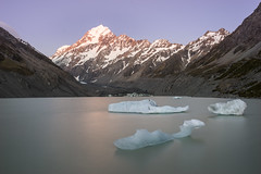 Hooker Lake (gomezthecosmonaut) Tags: newzealand mtcook southisland icebergs a99 hookerlake sigma35mmf14dghsm