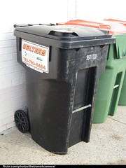 Walters Recycling and Refuse Cart (TheTransitCamera) Tags: barrel can bin collection service waste cart refuse recycling cascade walters wheelie