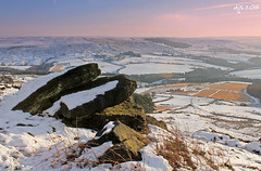 Towards Bilsdale (Dave Snowdon (Wipeout Dave)) Tags: winter snow landscape rocks moors northyorkmoors northyorkshire moorland bilsdale hastybank urramoor wipeoutdave canoneos1100d davidsnowdonphotography djs2015