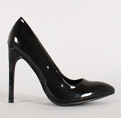 "patent stiletto pointy toe pump blk • <a style=""font-size:0.8em;"" href=""http://www.flickr.com/photos/64360322@N06/16325602136/"" target=""_blank"">View on Flickr</a>"