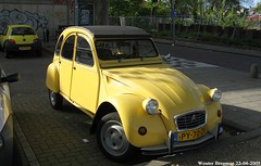 Citron 2CV 1986 (XBXG) Tags: auto old france holland classic haarlem netherlands car vintage french automobile nederland citron voiture 2cv frankrijk 1986 paysbas eend geit ancienne 2pk 2cv6 citron2cv franaise deuche deudeuche py70zy