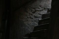 """En """"marches"""" vers la lumiere (Pi-F) Tags: bw noir lumire nb sw mur blanc escalier marche tat"""