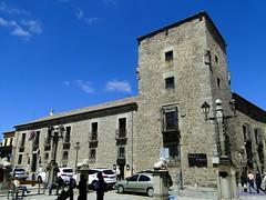 vila (santiagolopezpastor) Tags: espaa spain gothic medieval espagne middleages castilla vila castillaylen gtico provinciadevila