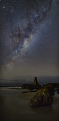 _DSC7522-Pano (gaabNZ) Tags: beach galaxy kiama cathedralrock milkyway