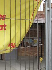 Colegio electoral en Vic (Eduardo Gonzlez Palomar) Tags: barcelona catalonia colegio escuela vic catalunya electoral catalua osona fanatismo 2662016