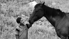 Nio pima con caballo (Memo Vasquez) Tags: portrait ycora sonora mxico retrato bwportrait memovasquez niosindgenas niopimaconcaballo