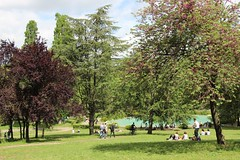 IMG_0053 (ercan_fb) Tags: park trees summer italy holiday rome roma tree green grass canon garden weekend relaxing 18135 600d