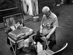 Fortune Teller # 3 - Unfortunate (-Faisal Aljunied-) Tags: sleeping singapore streetphotography streetlife dailylife fortuneteller ricohgr bwstreet faisalaljunied