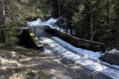 Le pont romain (Chemose) Tags: bridge les canon eos spring roman chapel 7d april pont avril romain printemps chapelle hautesavoie contamines notredamedelagorge montjoie contaminesmontjoie