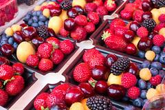 Berries for sale at Market square, Helsinki, Finland (PetteriJarvinen) Tags: vrit kauppatori marjat helsinki uusimaa finland fi