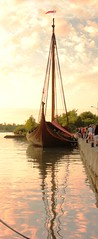 ship's reflection (epicDi) Tags: sunset reflection stcatharines viking sailingship portweller ontarioyourstodiscover wellandcanal
