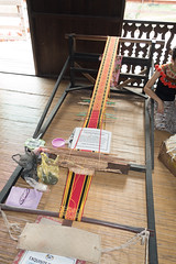 Traditional native weaving in Sarawak (quinet) Tags: 2015 aborigène borneo iban malaysia sarawak sarawakculturalvillage ureinwohner weberei aboriginal native tissage weaving kuching