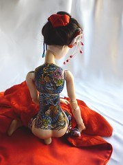 New tattooed geisha doll (porcelain bjd) Tags: geisha bjd porcelainballjointeddoll muecasdeporcelanaargentina artdollsargentina artemuecas tattoedgeishadoll