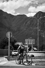 (F. Portella) Tags: chile travel blackandwhite bicycle cycling bicicleta viagem ciclista pretoebranco pucon felipeportella