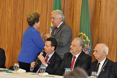 """Lideranças do PSD manifestam apoio a Dilma Rousseff • <a style=""""font-size:0.8em;"""" href=""""http://www.flickr.com/photos/60774784@N04/15718741915/"""" target=""""_blank"""">View on Flickr</a>"""
