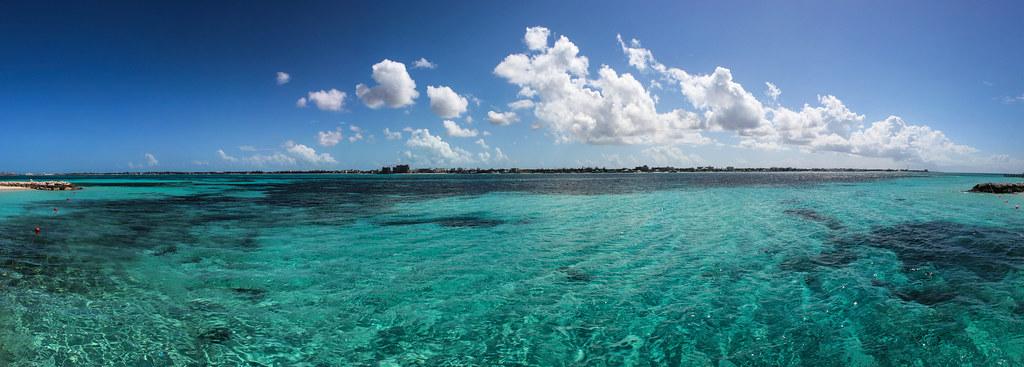 Turquoise - Nassau - Bahamas
