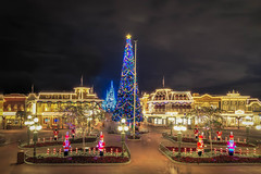 Christmas on Main St USA (MattStemerman) Tags: christmas castle st magic main kingdom disney cinderella wdw waltdisneyworld