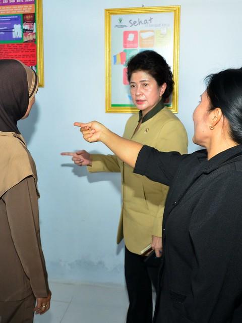 4-12-14 Kunker Menkes ke Kalimantan tengah