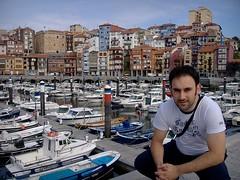 En el puerto de Bermeo (tunante80) Tags: costa puerto mar ea bizkaia euskadi vizcaya elantxobe bermeo lekeitio portua cantabrico ondarroa kantauri euskalerria urdaibai ispaster ogeia